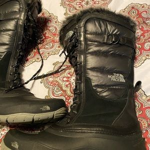 """GREAT PAIR OF """"THE NORTHFACE """" BOOTS!!!"""